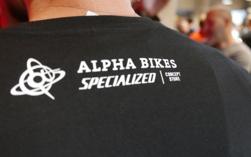 Alpha Bikes Team-T-Shirts mit CI.