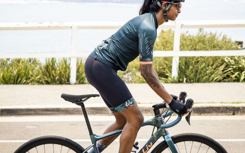 Giant Groups Liv-gebrandete Bikewear »Liv Tropic Collection«.