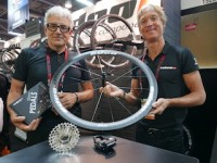 Neues Team: Edco-CEO Rob van Hoek (links) und Edco-USA-Director Paul E. Lew auf der Interbike.