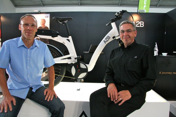 a2b pr sentierte auf ispo bike erstes e bike mit aeg kit. Black Bedroom Furniture Sets. Home Design Ideas